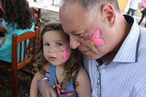O blogueiro e sua filhinha Nina de 3 anos