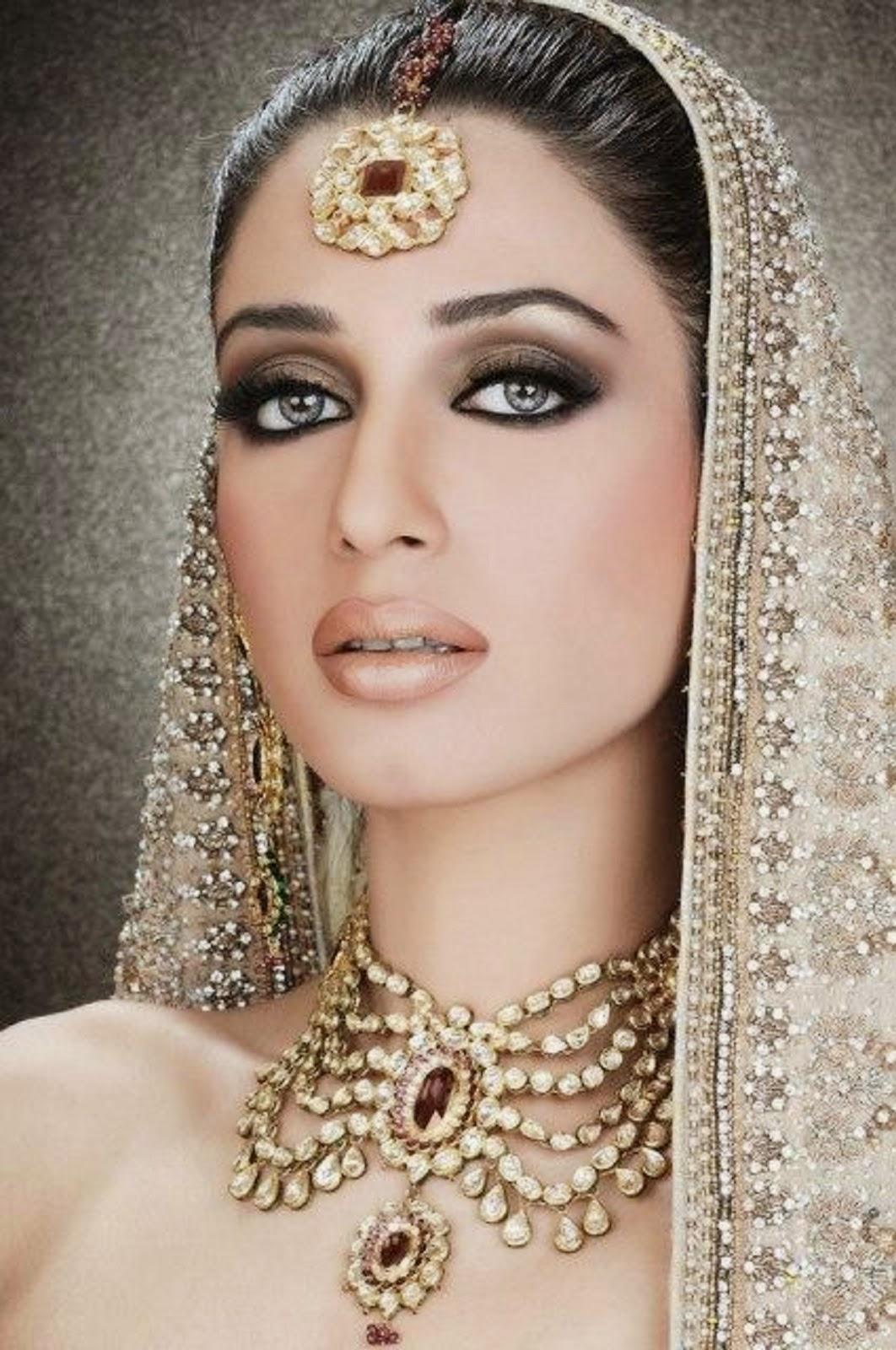 Pakistani Beautiful Bridal Walima Makeup & Jewelry Wallpapers Free Download