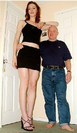 Dating super tall girl