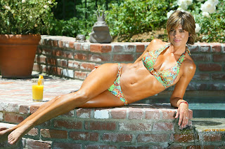 Pictures of Lisa Rinna in Bikini