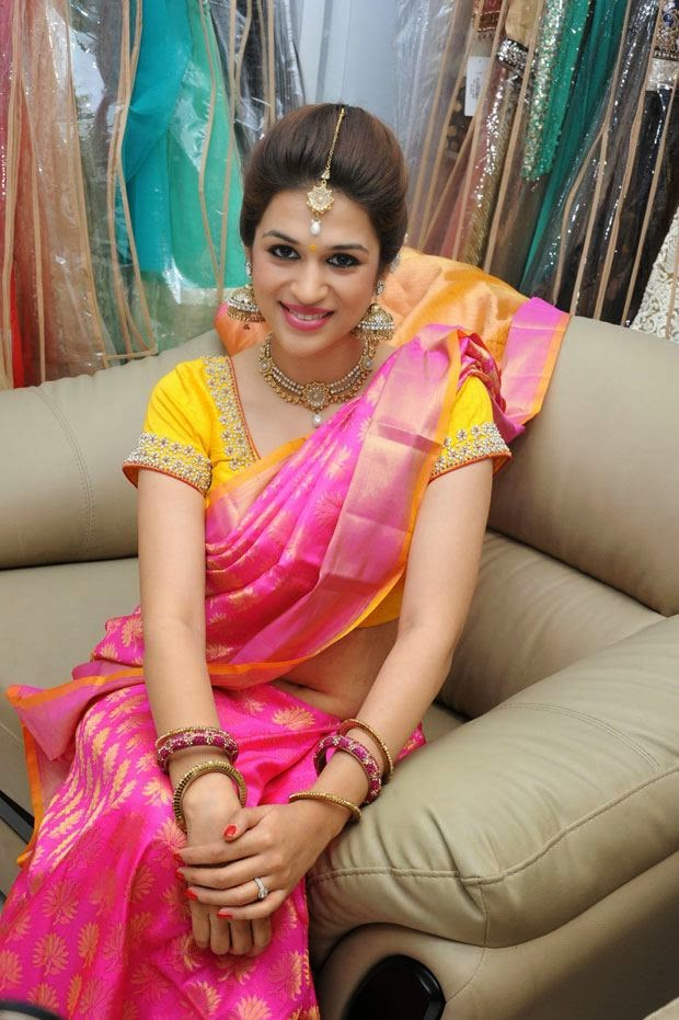 shraddha das hot wallpapers