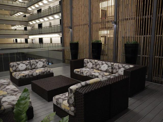 Hotel Maya Kuala Lumpur couch