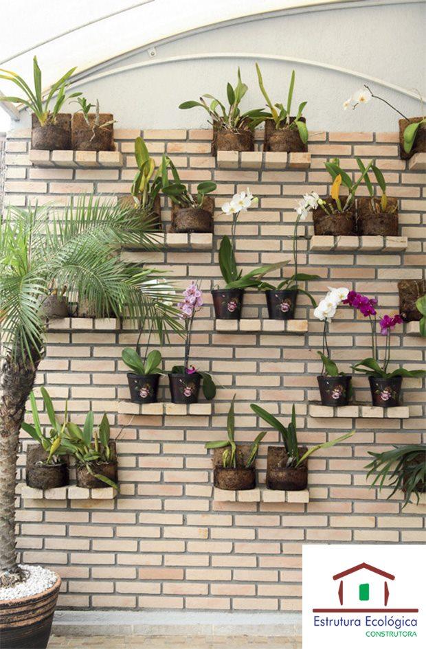 jardim vertical em muro:TIJOLO ECOLÓGICO ECO HABITTARE: Jardim vertical