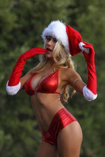 Courtney Stodden Holiday Spirit Pics, Courtney Stodden Christmas Spirit Pics