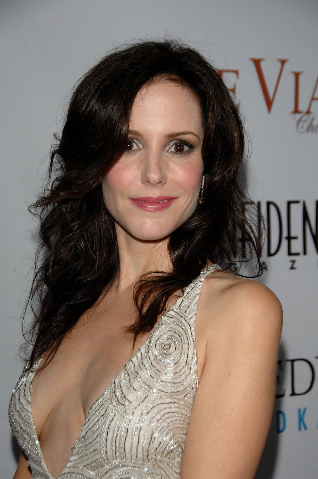Celebrity Mary Lousie Parker Hairstyles Wallpaper ~ Global Hairstyles
