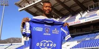 Djibril Cissé s'engage avec le SC Bastia