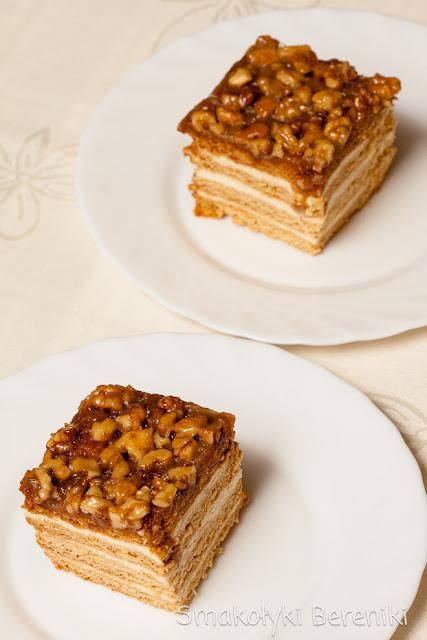 miodowe ciasto zwane stefanką lub snickersem
