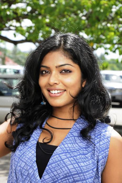 rima kallingal from yuvan yuvathi movie latest photos