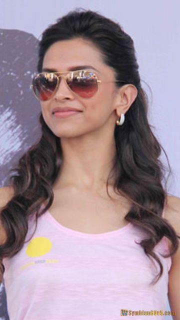 celebrity Gossip: Deepika Padukone With Sun Glasses
