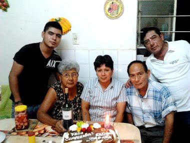 REUNION FAMILIAR, PERCY JUNIOR, MIS PADRES, MI HERMANA CARMEN Y MI HERMANO JAIME.