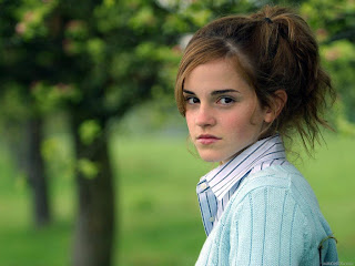 Hot Model Emma Watson Photo picture collection 2012