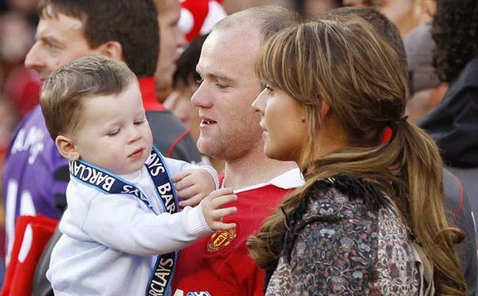 Laga Perdana Rooney Tanpa Istri dan Keluarga