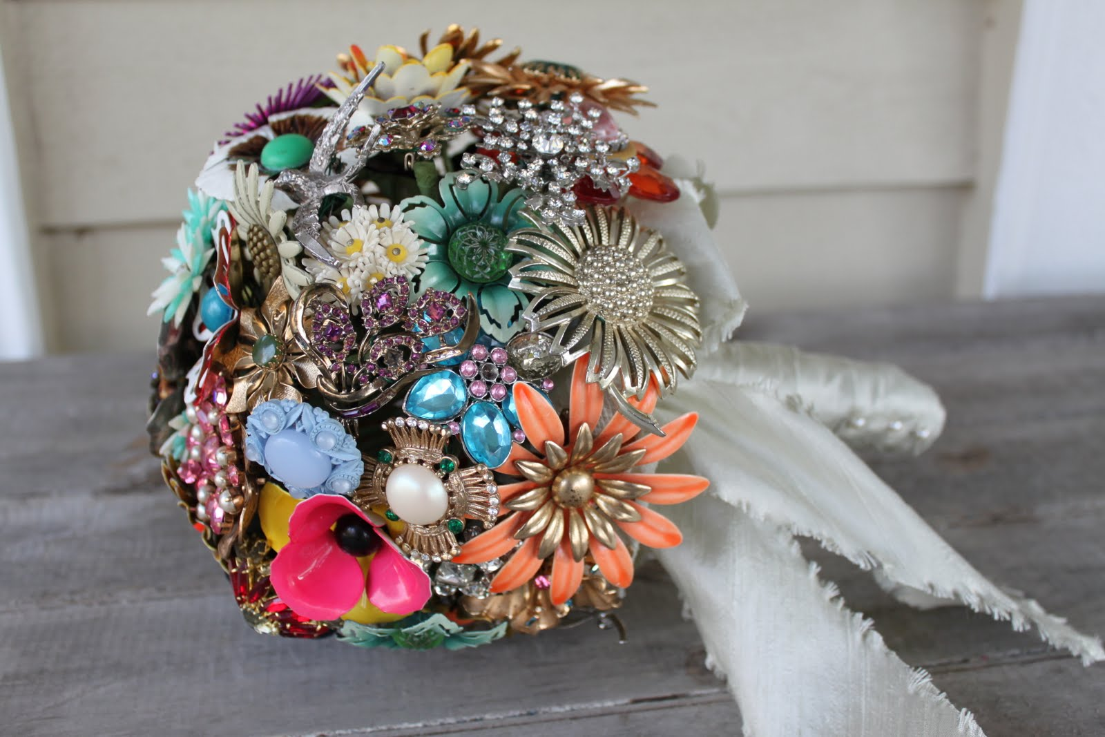 Quirks kisses inspired life vintage brooch bridal bouquet quirks kisses inspired life vintage brooch bridal bouquet izmirmasajfo