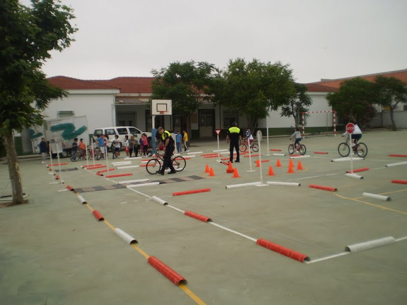 Circuito Vial : Biblioteca pedro de valdivia circuito educaciÓn vial