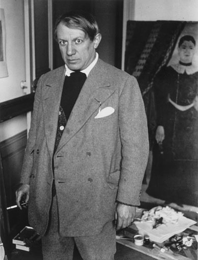 pablo picasso pictures. Artist Pablo Picasso in his
