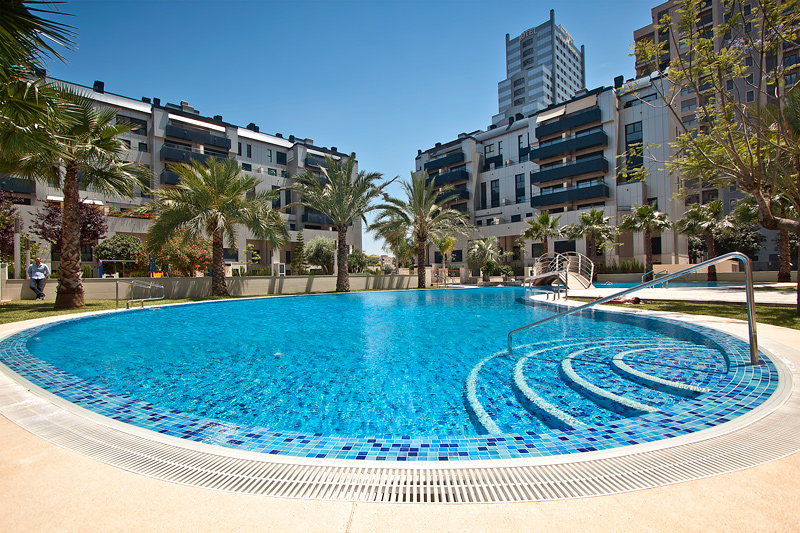 Piscinas residenciales lucas gunitec for Gunitec piscinas