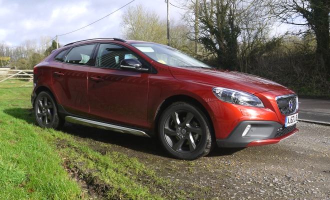 Volvo V40 Cross Country D2 front view