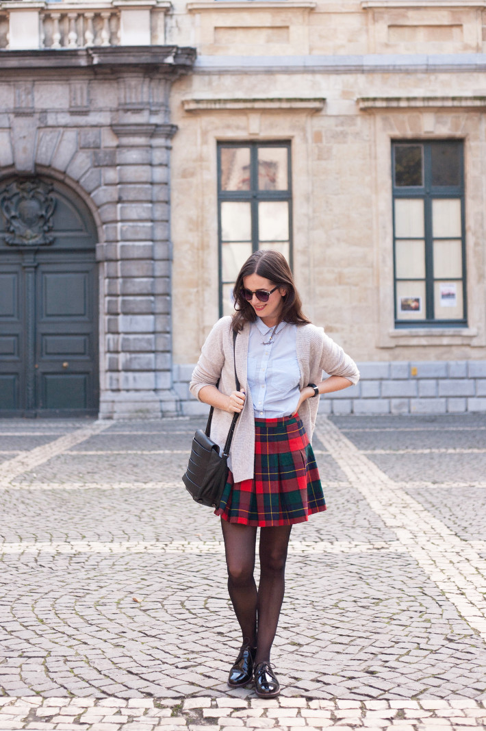 Outfit: cashmere cardigan, vintage plaid mini skirt, patent brogues
