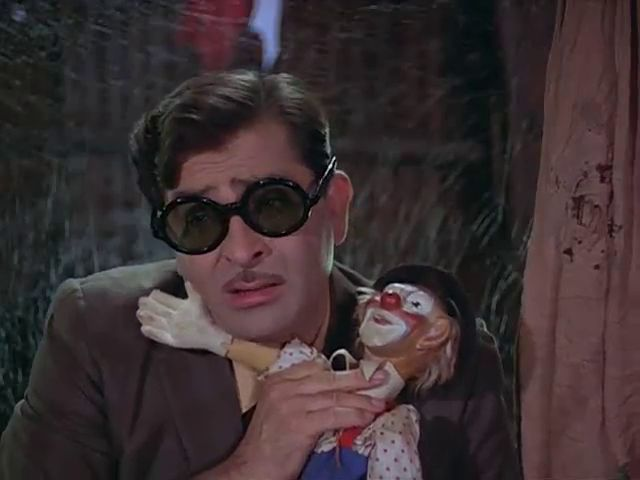 Screen Shot Of Hindi Movie Mera Naam Joker (1970) Download And Watch Online Free at worldfree4u.com