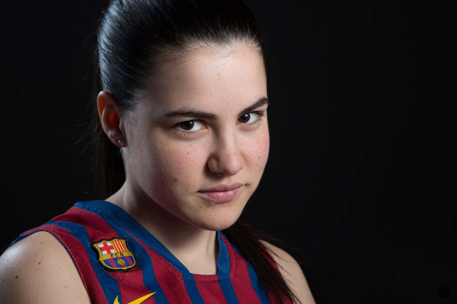 ORIGINAL :: Júlia 14 - CBS Barça Senior Femenino A - 2013 :: Canon EOS 5D MkIII | ISO100 | Canon 24-105 @96mm | f/11 | 1/60s