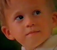 Propaganda do Sonho de Valsa veiculada em 1998: crianças em clima de romance