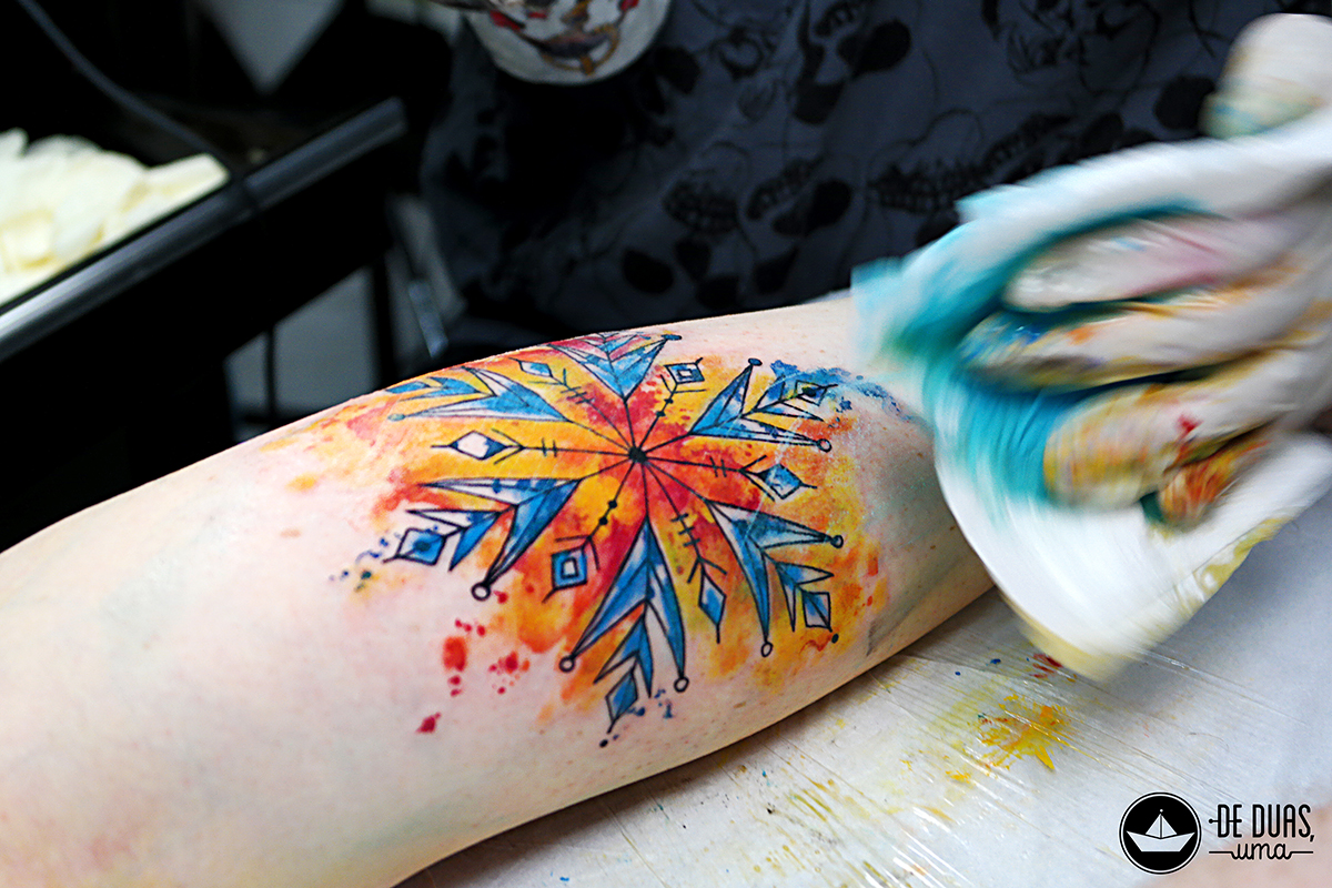 tattoo aquarela floco de neve deduasuma