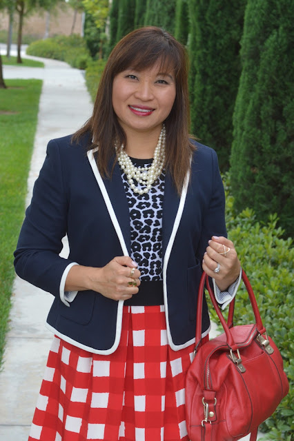 Fashion over 40, Office style, pattern mixing