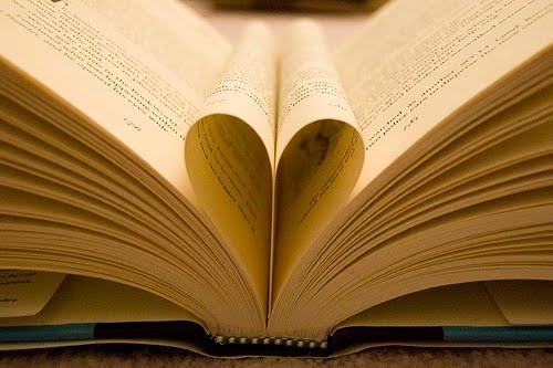 Tarp knygų