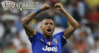 Liputan Bola - Kabar teranyar dari sepakbola Italia, Arturo Vidal dikabarkan meninggalkan Juventus dan bergabung dengan Bayern Munchen. Gelandang pekerja keras itu ditebus dengan harga 40 juta euro atau sekitar Rp 583 miliar.