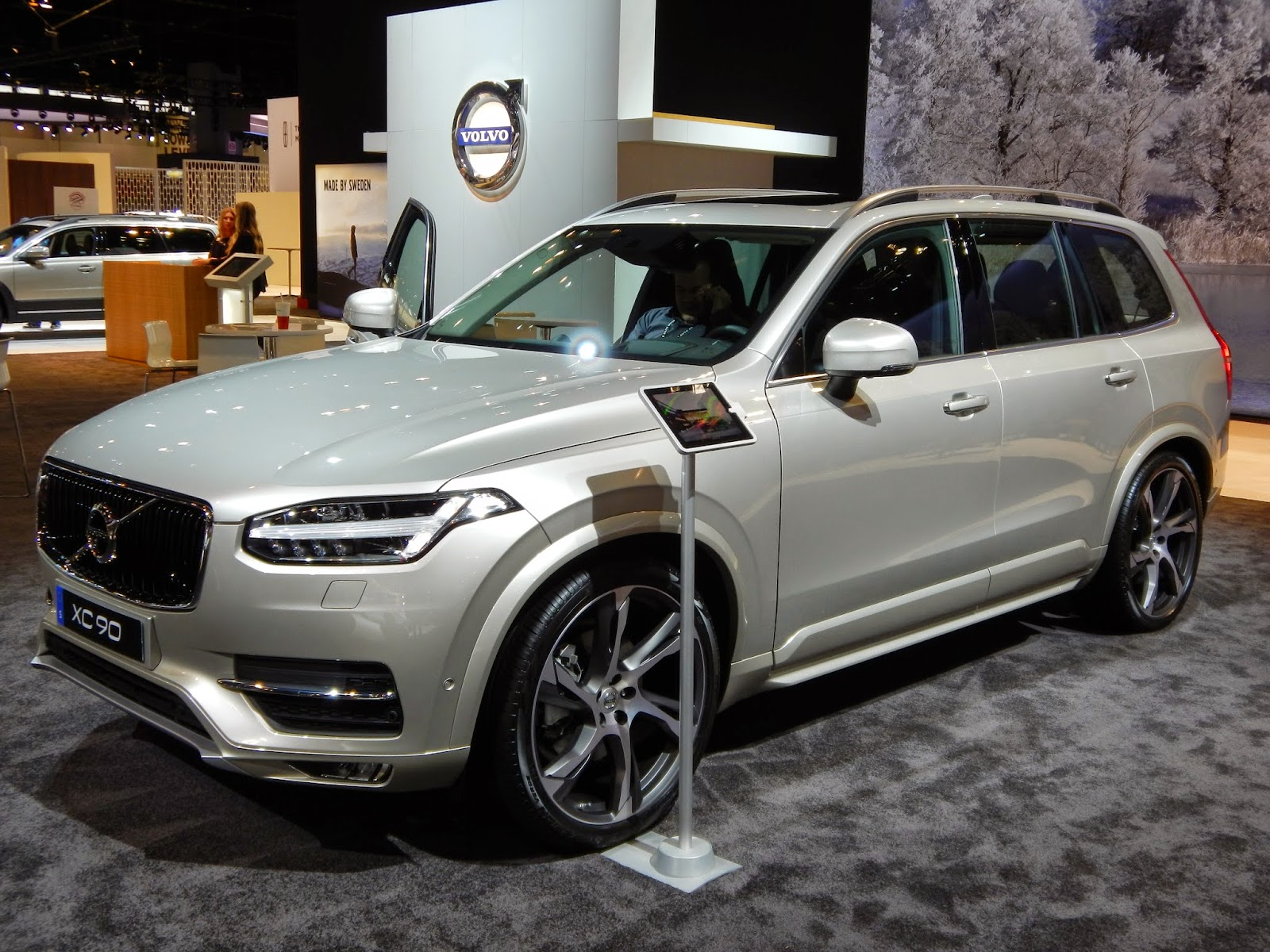 chicago exterior auto interior show and watch volvo walkaround