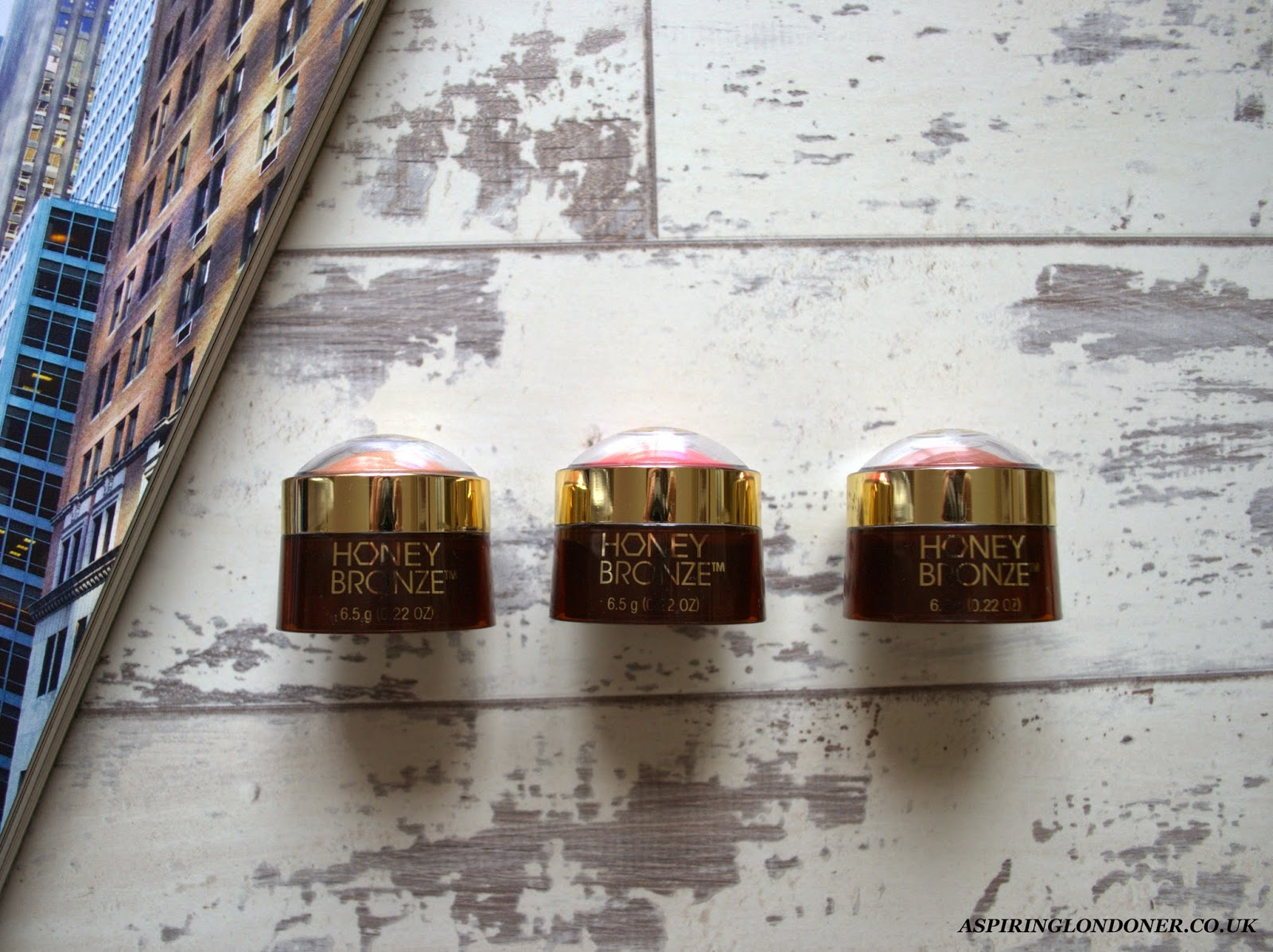 The Body Shop Honey Bronze Highlighting Dome Review - Aspiring Londoner