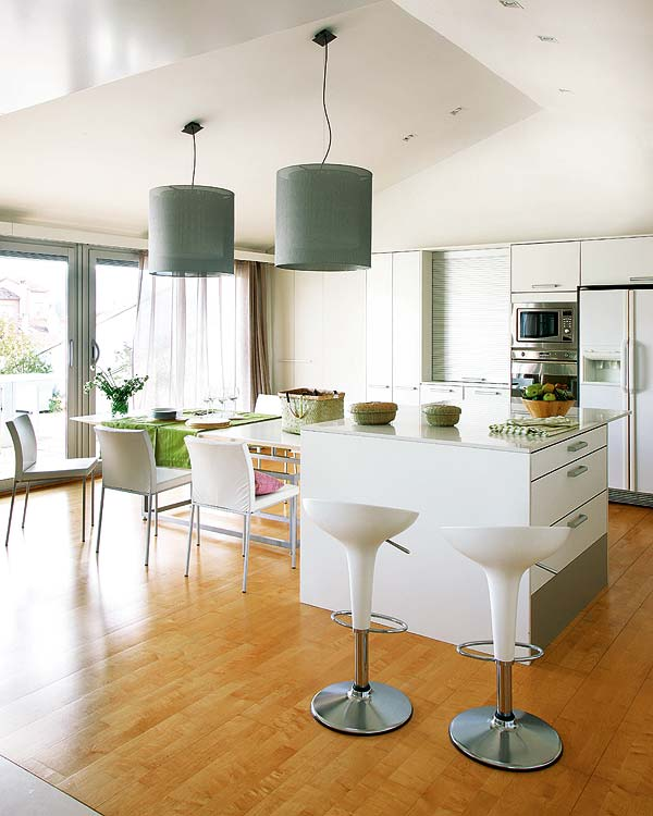 Home Full of Color and Inspiring Kitchen