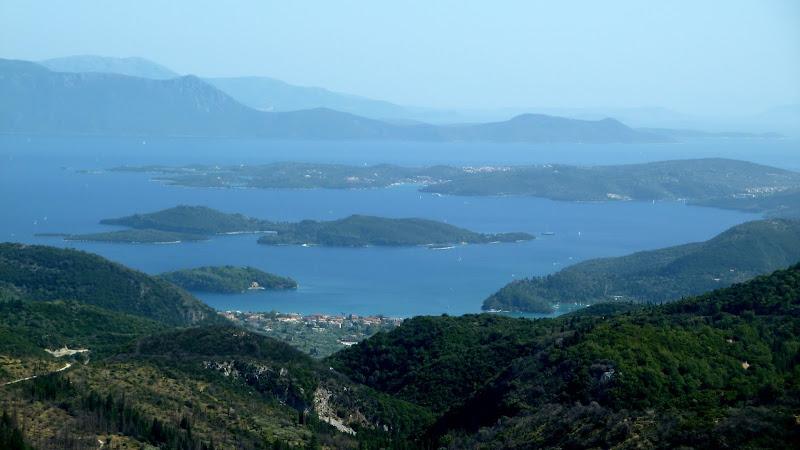 Griechische Insel Lefkada: Blick auf Skorpios und Meganisi