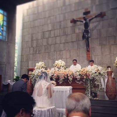 Foto Pernikahan Agni Pratistha dan Ryan Monoarfa di Gereja