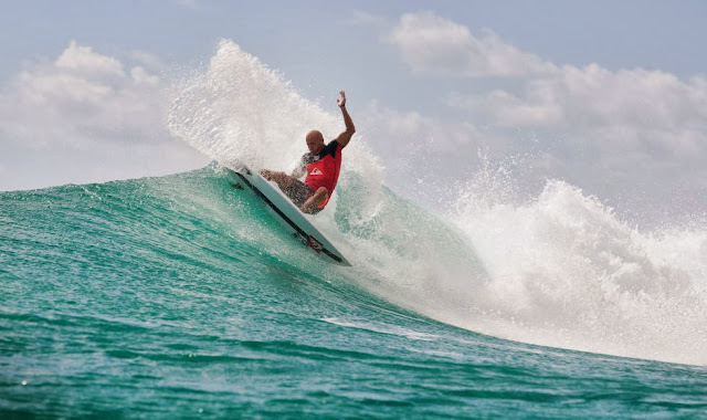 kelly slater ronda 5 quiksilver pro gold coast cut back 02