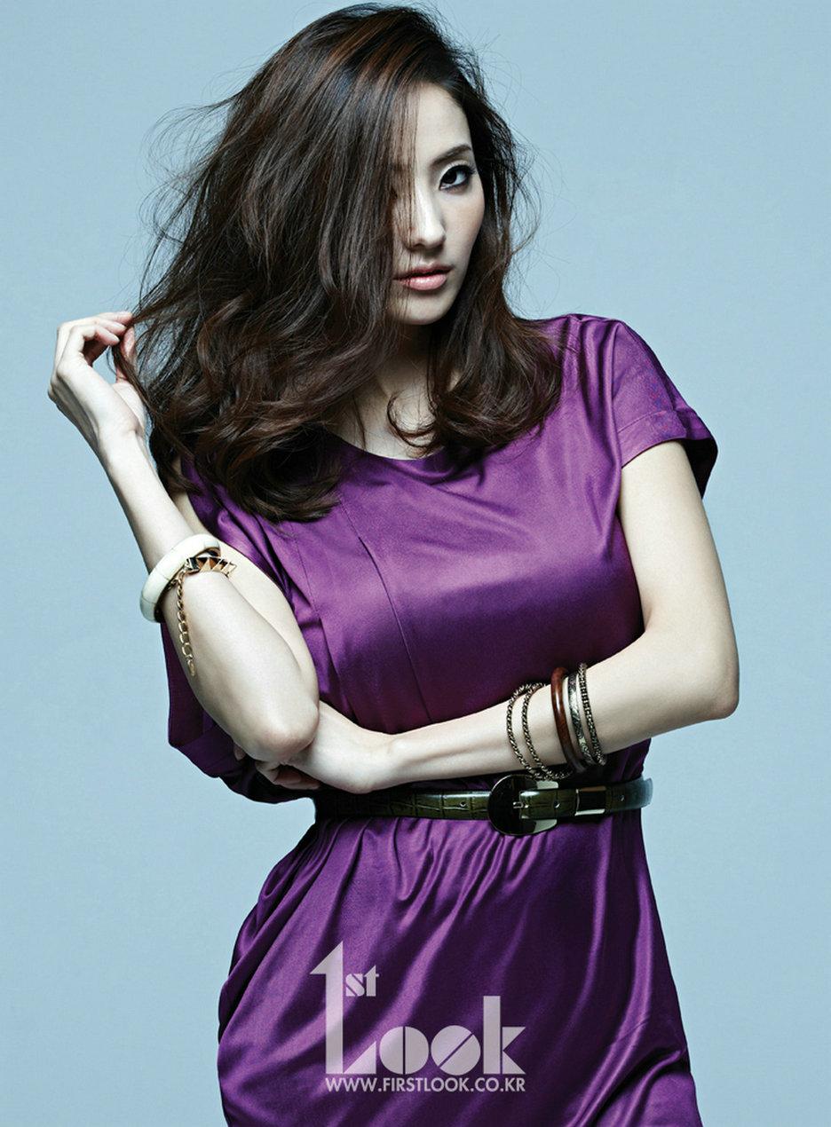 http://1.bp.blogspot.com/-R4sbgjwtXI0/UV3imuUROnI/AAAAAAAAdWY/zYX__JDials/s1600/Han+Chae+Young+-+1st+Look+Magazine+Vol.+42+Beautiful+Girl+%25284%2529.jpg