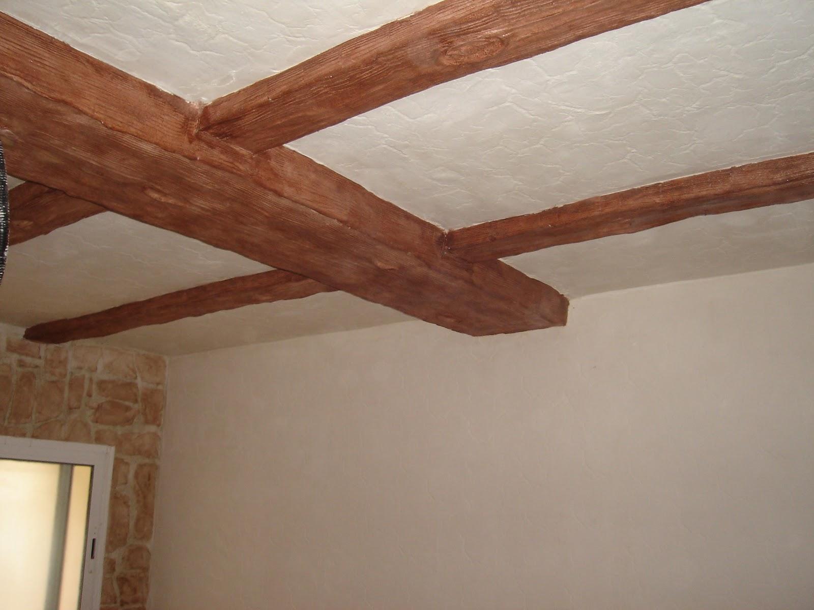 Piedras y maderas artificiales javier lude a tlf - Vigas redondas de madera ...