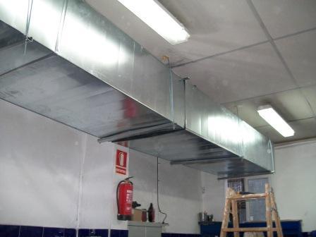 Instaladores extracciones de humos para cocinas for Cocinas industriales en casa