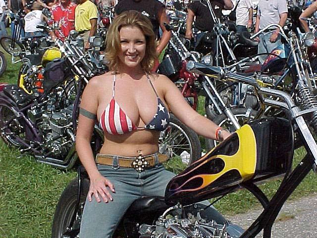 candid-naked-motorcycle-pin-up-girls-sex-sexy