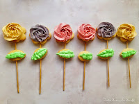 http://www.cutesimplestuff.com/2015/05/rose-cookie-pops-mothers-day-gift-idea.html