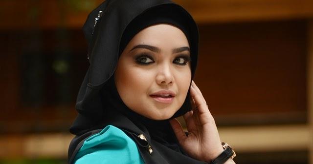 Gambar siti nurhaliza bertudung dari media semasa love for Siti di collezionismo