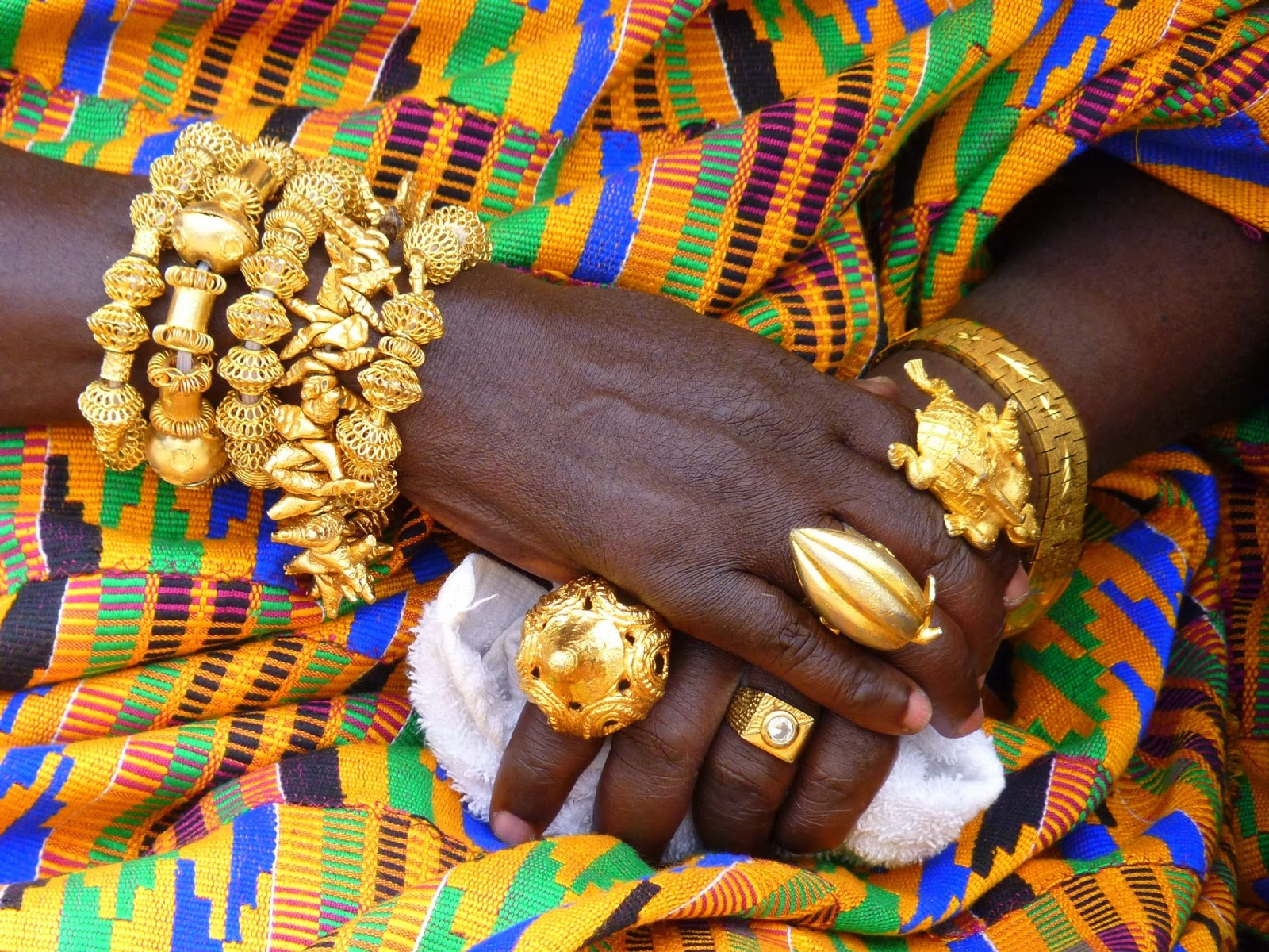 Local style Gold jewelry of the Asante