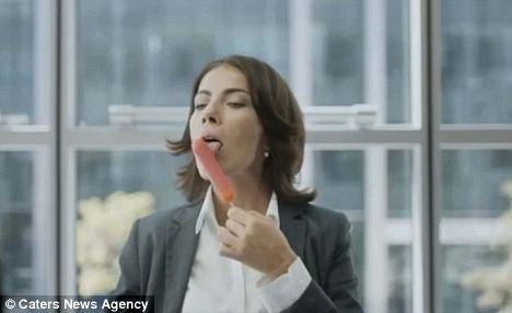 Cara Anda Makan Begini Juga Dianggap Sebagai Gangguan Seksual.