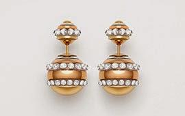 brincos Diorattan em ouro e paládio ornados com cristais brancos