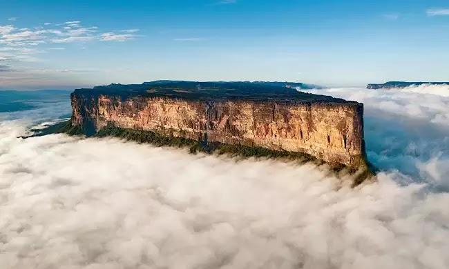 Το μοναδικό βουνό που ένας «απατεώνας» έκοψε την κορυφή του! Ένα ανεπανάληπτο φυσικό τοπίο