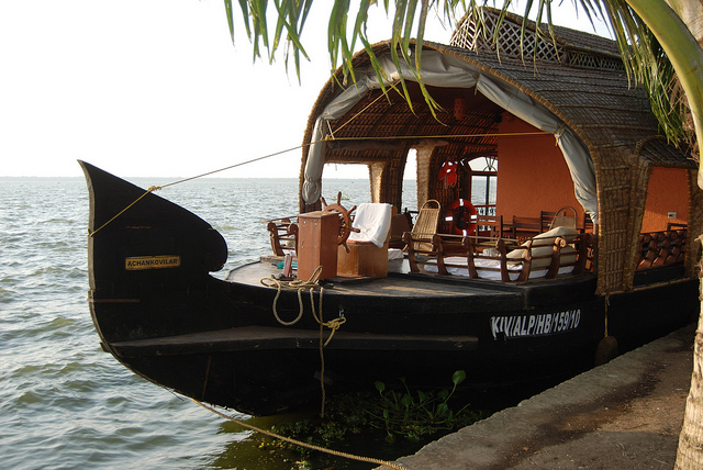 Kerala backwater tour that will enchant and refresh you when you stay in Alappuzha