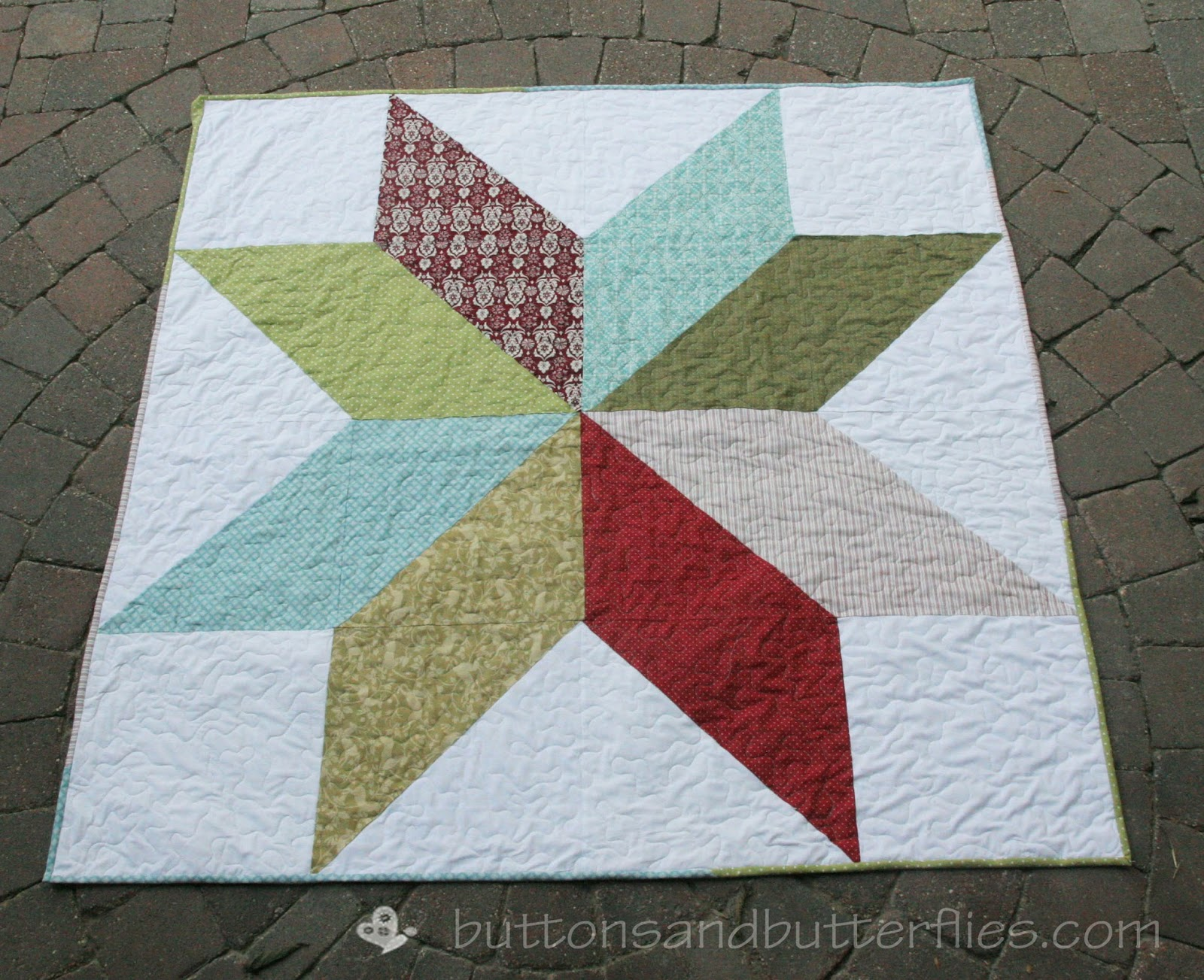 Buttons and butterflies christmas star quilt