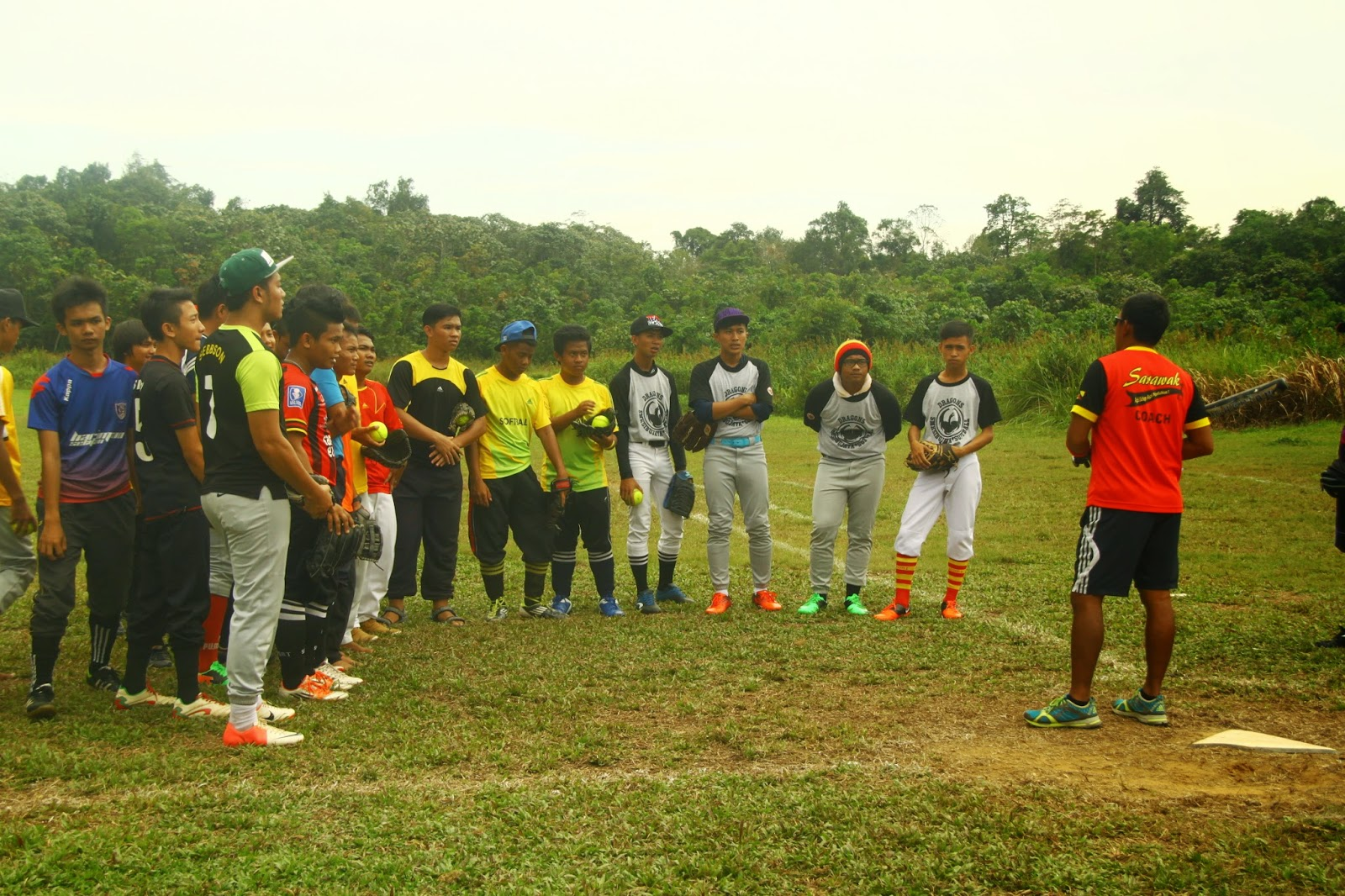 Klinik Sofbol Jurulatih SUKMA Sarawak di Sibu