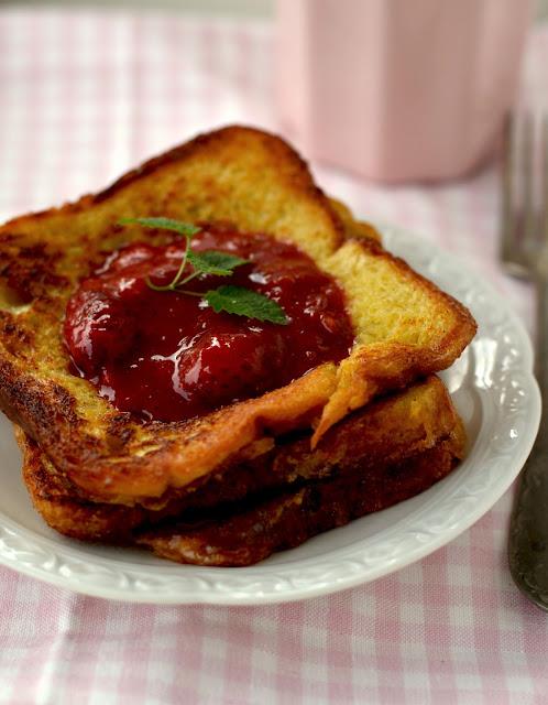 tosty francuskie na słodko, przepis na tosty francuskie