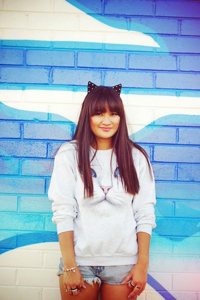 Skip N Whistle Cat Face Sweatshirt Blogger